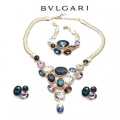 Комплект бижутерии с синими камнями
