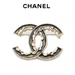 Брошь Chanel черная