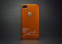 Чехол Ferrari для iPhone 4 золотой