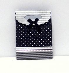 Пакетик подарочный черный в горошек маленький