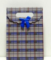 Пакетик подарочный в клеточку средний