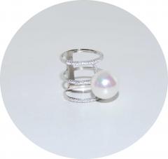 Серебряное кольцо с жемчужиной