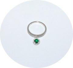 Серебряное колечко с зеленым камнем