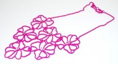 Ожерелье Цветочки фуксия
