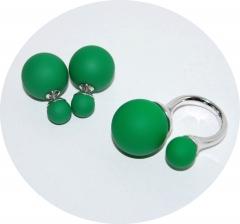 Комплект пусеты и кольцо зеленый