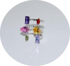 Кольцо в стиле KO из цветных камней