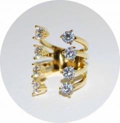 Колечко золотое с камнями широкое