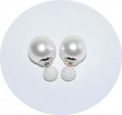 Серьги Dior бусинки белые 925