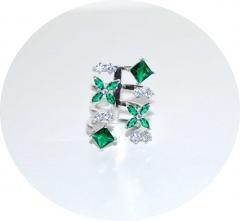 Кольцо с зелеными цирконами