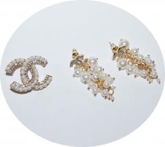 Серьги и брошь в стиле Шанель золотые