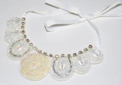 Ожерелье воротник Роза белое
