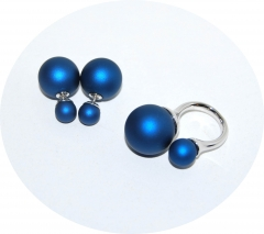 Комплект пусеты и кольцо синий перламутр