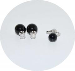 Комплект серьги и колечко со стразами черный 925