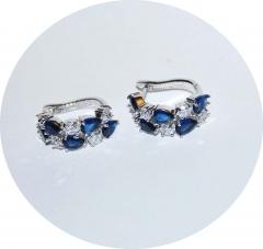 Серьги с синими и белыми камнями