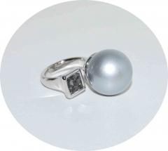 Кольцо в стиле Диор серебристое