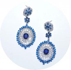 Крупные серьги с синими камнями