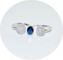 Кольцо на два пальца с синим камнем