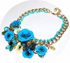Колье Цветы голубое