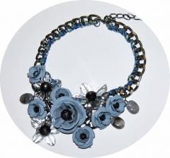 Колье Цветы серое