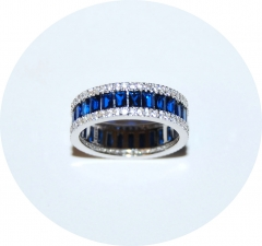 Кольцо серебряное с синими камнями