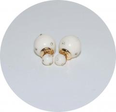 Серьги шарики кремовые со стразами