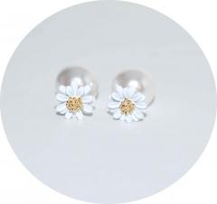 Серьги Dior Цветочек белые