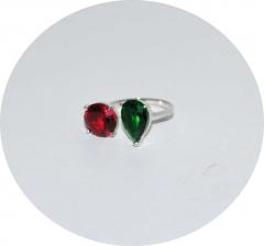 Кольцо с красным и зеленым камнем