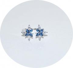 Кольцо с кристаллами синее с белым