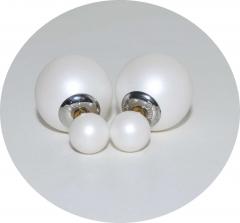 Серьги Mise En Dior белые матовые