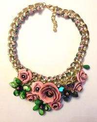 Колье цветы розово зеленое