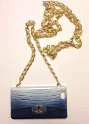 Чехол сумочка Chanel для iPhone 5 голубой