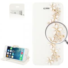 Чехол книжка Цветочки для iPhone 5 со стразами