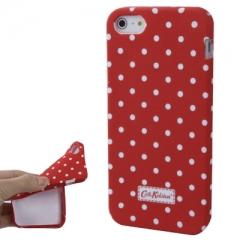 Чехол Cath Kidston для iPhone 5 красный в горошек