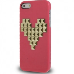 Чехол с клепками Сердце для iPhone 5S малиновый