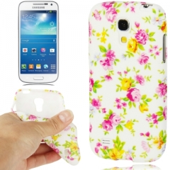Чехол цветочки для Samsung Galaxy S4 Mini белый